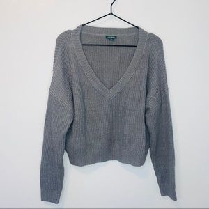 Wild Fable grey v neck crop sweater